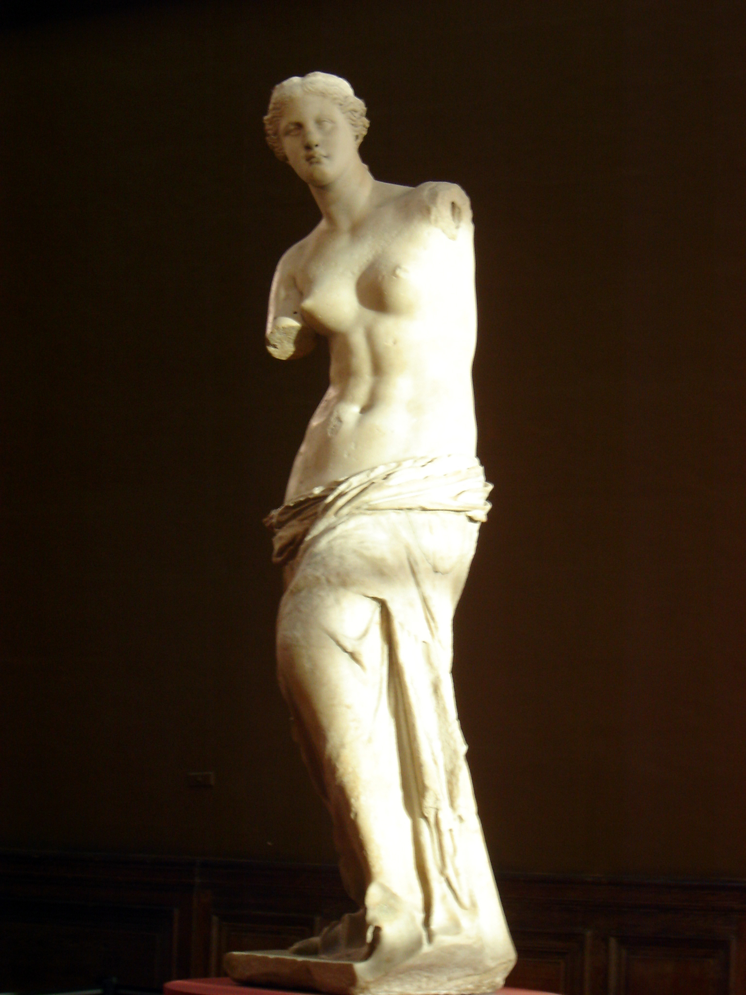 Venus de Milo at the Louvre. Photo by alphacityguides.