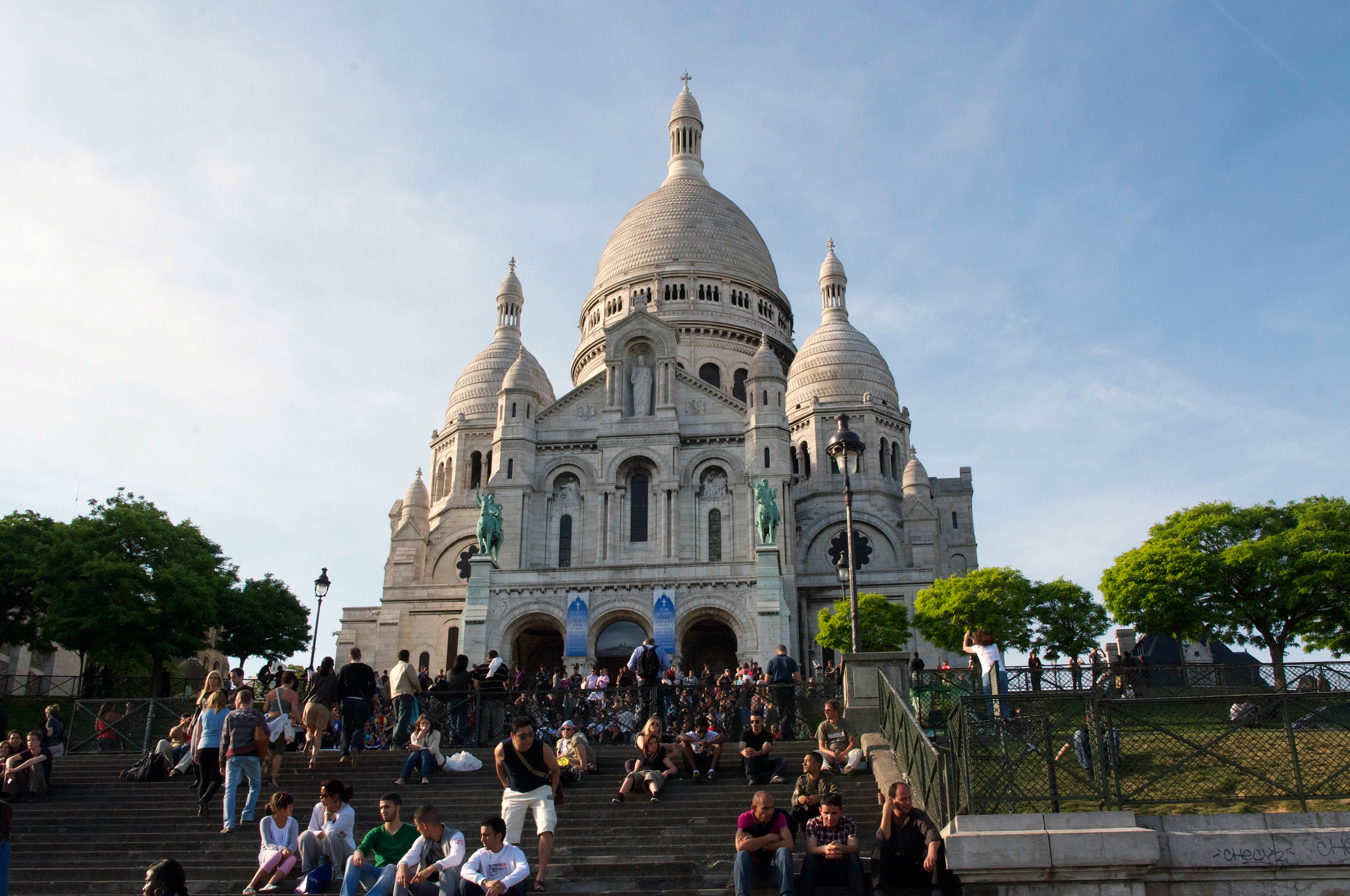 Basilica of the Sacré Coeur in Paris. Photo by alphacityguides