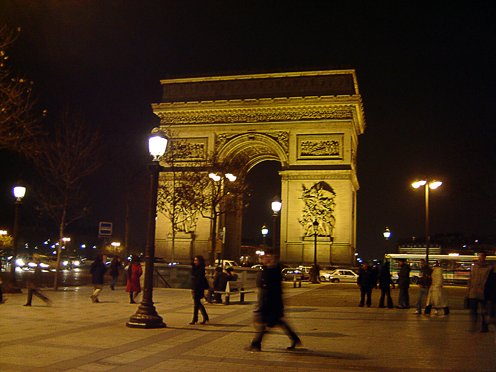 Arc de Triomphe in Paris. Photo by alphacityguides.