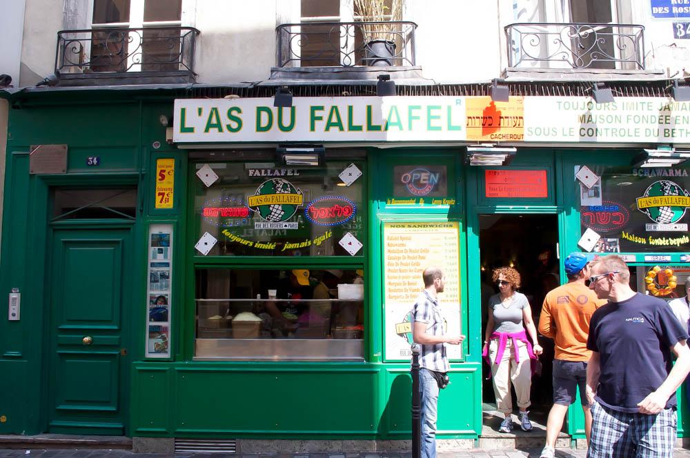 L'As du Fallafel in Paris. Photo by alphacityguides.