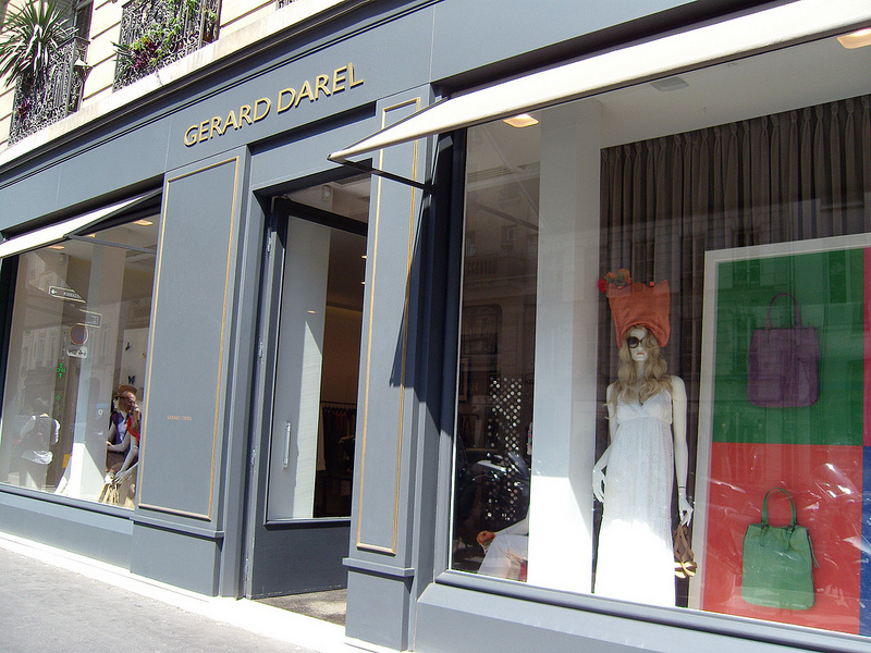 Store front at Gérard Darel in Paris. Photo by alphacityguides.