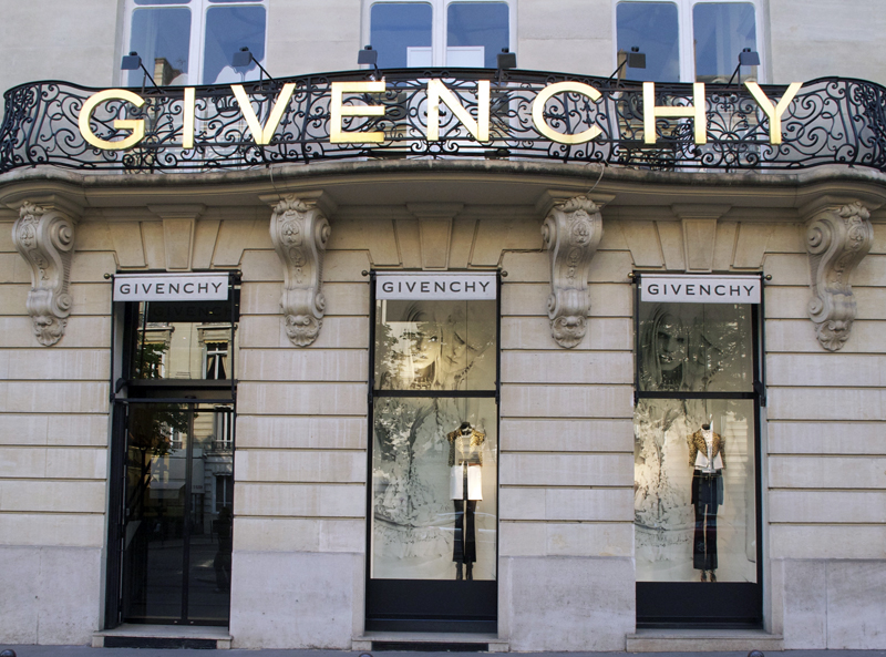 Store front at Givenchy in Paris. Photo by alphacityguides.
