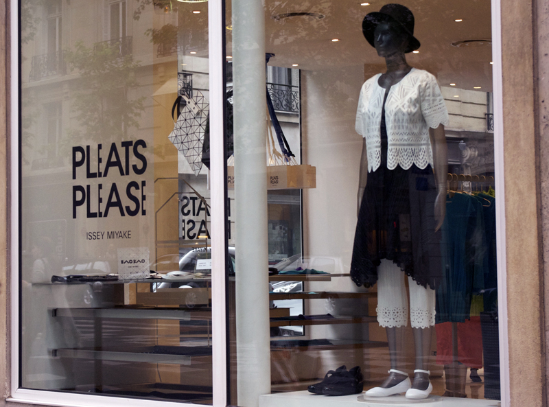 Window at Pleats Please in Paris. Photo by alphacityguides.