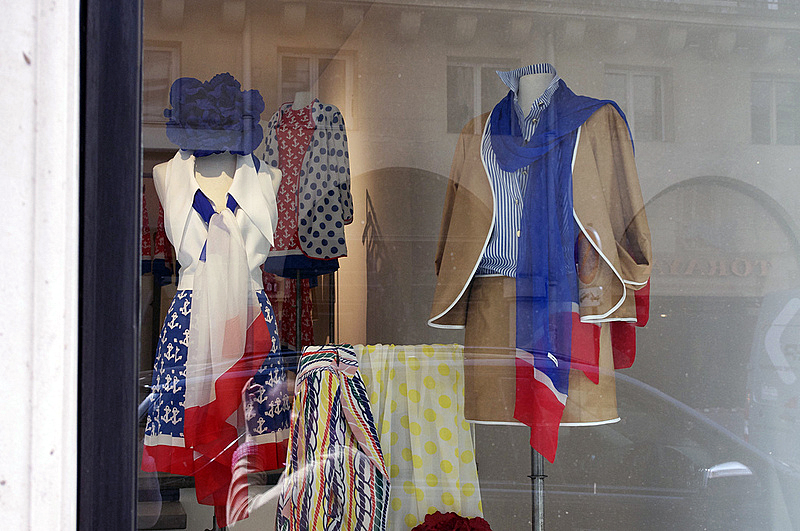 Window at Junko Shimada in Paris. Photo by alphacityguides.