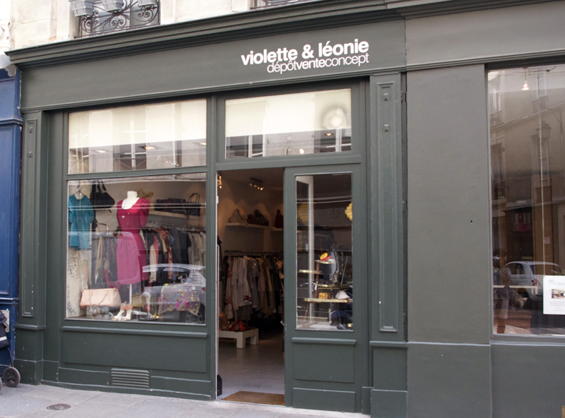 Store front at Violette & Léonie in Paris. Photo by alphacityguides.