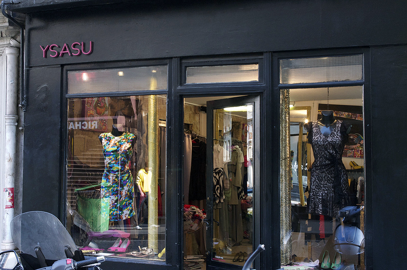 Store front and windows at Ysasu in Paris. Photo by alphacityguides.