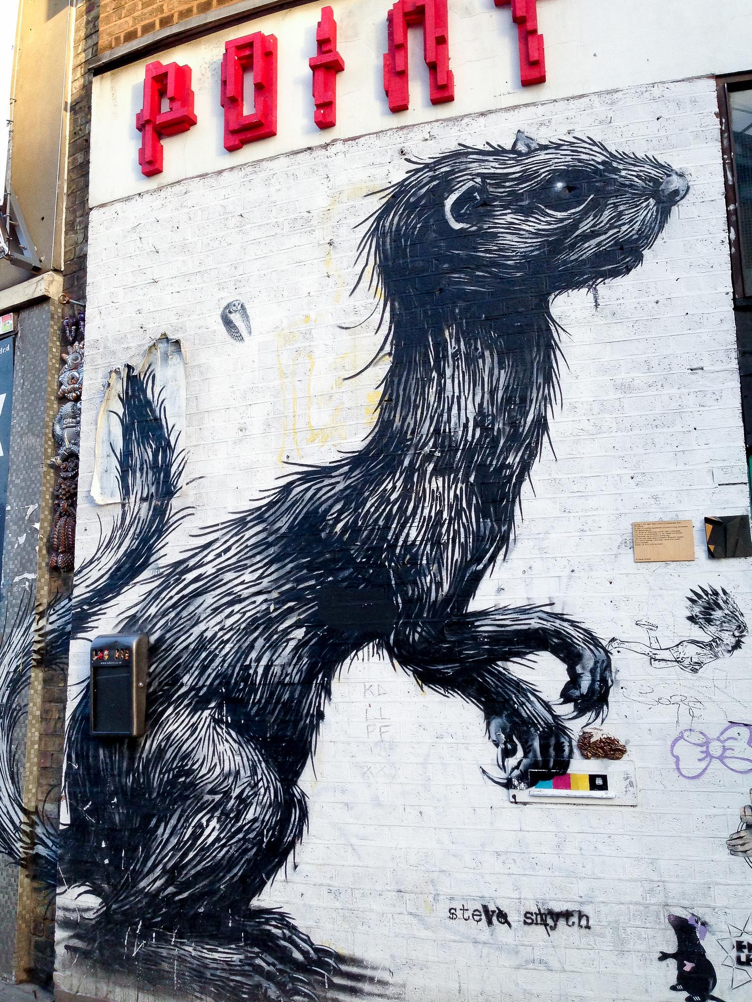Roa's animal street art in London.