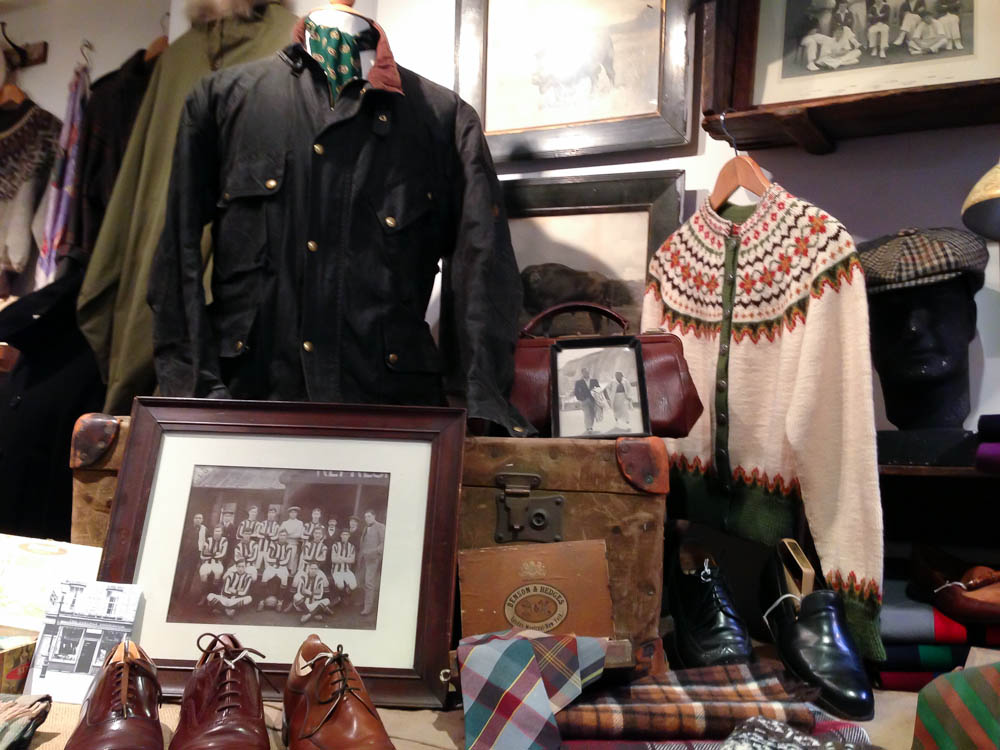 Fashion display at The Vintage Showroom in London. Photo by alphacityguides.