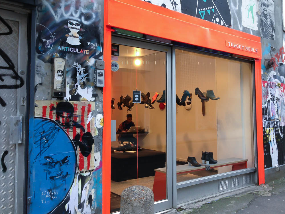 Store front and window display at Tracey Neuls. Photo by alphacityguides.