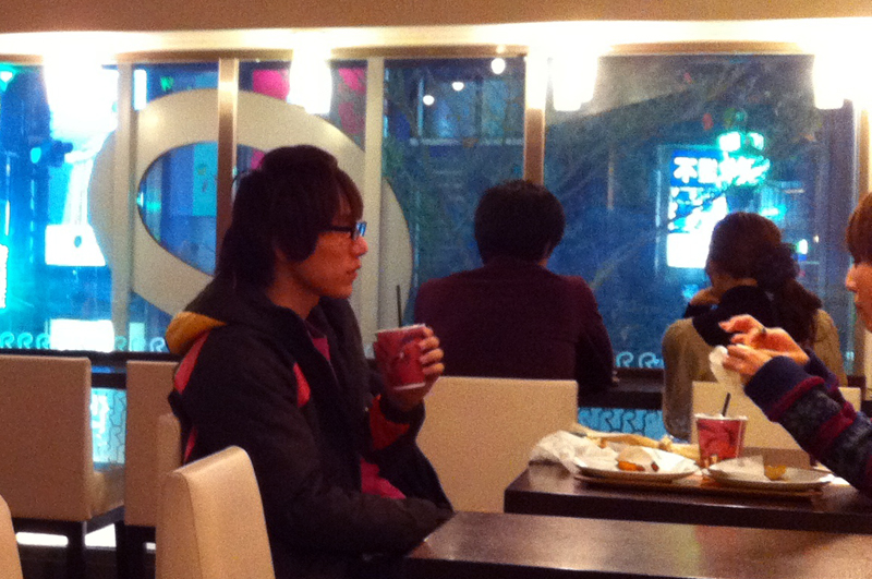 Inside R Burger in Tokyo. Photo by alphacityguides.
