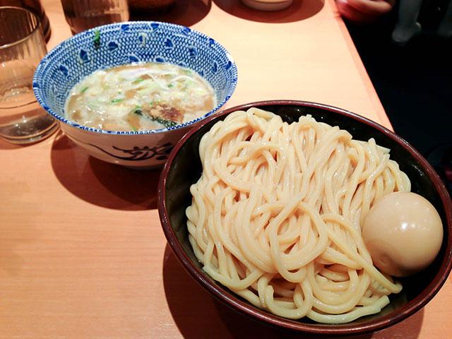 Tsukemen at Rokurinsha in Tokyo. Photo by alphacityguides.