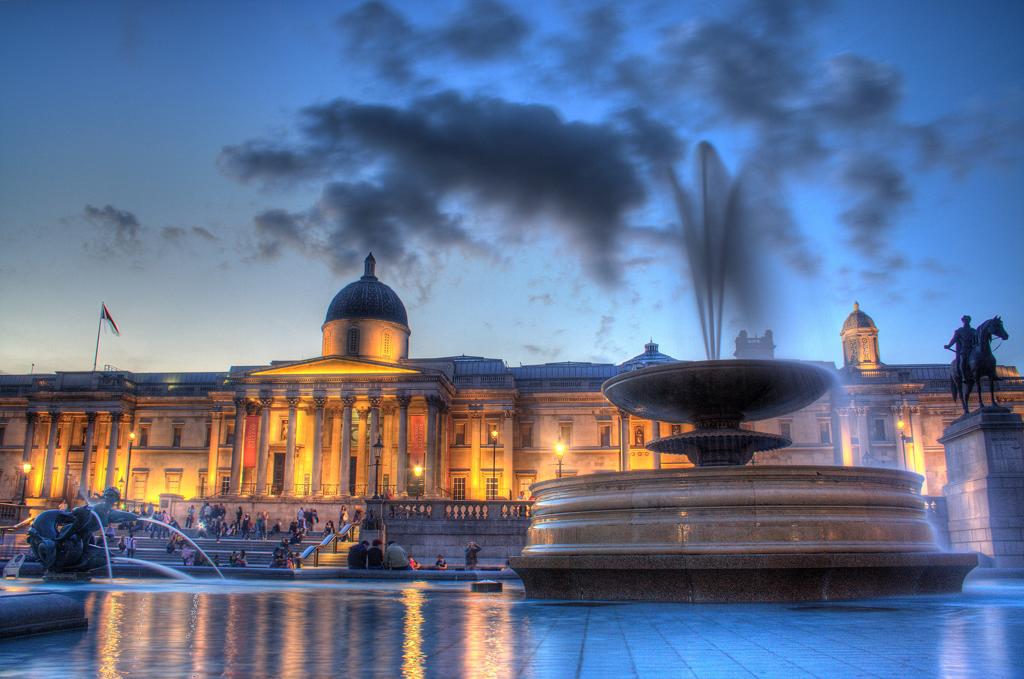 """The National Gallery in London Photo by <a href=""""https://www.flickr.com/photos/mauricedb/2742966709/""""> Maurice </a>"""