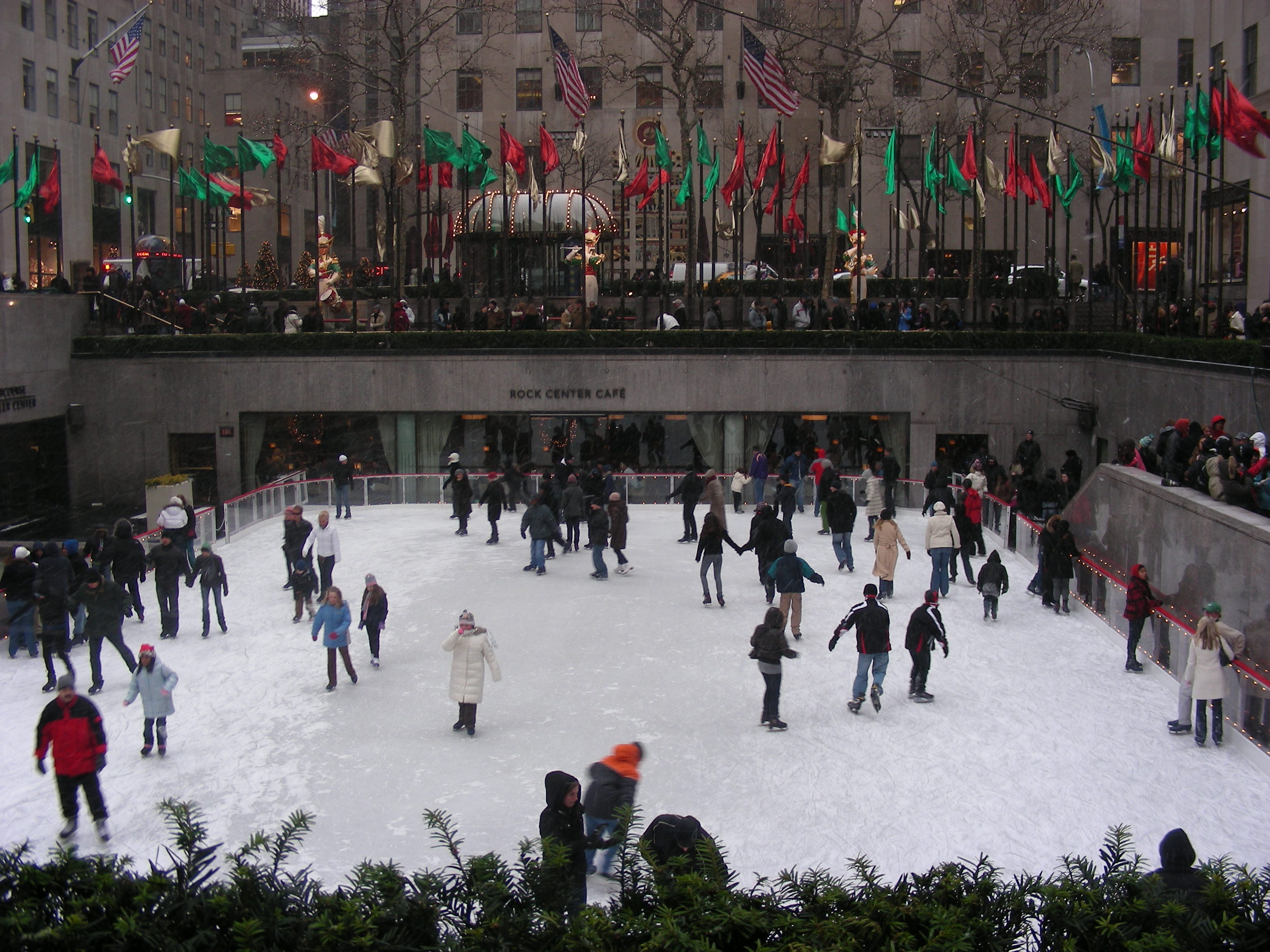 Ice rink at Rockefeller in New York. Photo by Alphacityguides