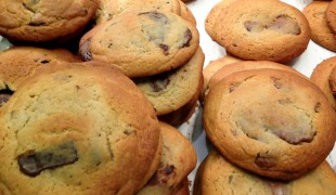 MIlk chocolate chunk cookies at Ben's Cookies in London. Photo by alphacityguides.