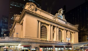 "Grand central. Photo by <a href=""http://www.flickr.com/photos/trodel/3598771506/"">Trodel</a>"