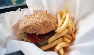 Burger and fries at Shake em Buns in Hong Kong. Photo by alphacityguides.