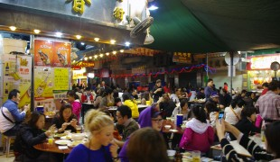 Temple Street Market dai pai dong's in Hong Kong. Photo by alphacityguides.