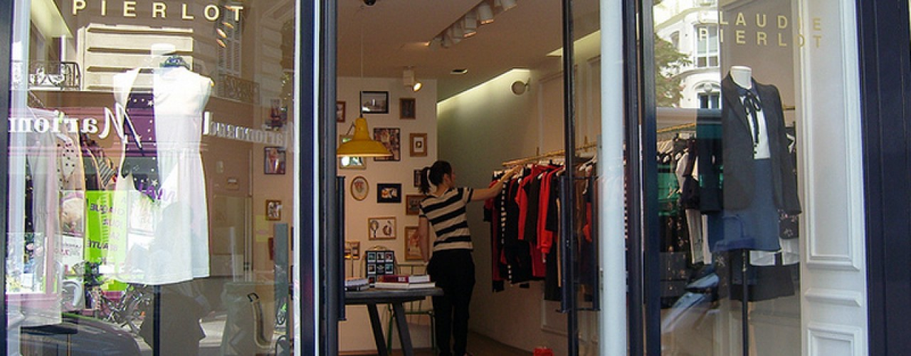 Store front at Claudie Pierlot in Paris. Photo by alphacityguides.
