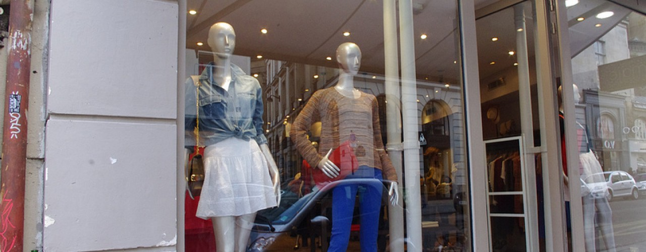 Window fashion at Maje in Paris. Photo by alphacityguides.