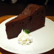 Chocolate cake at R Burger in Tokyo. Photo by alphacityguides.