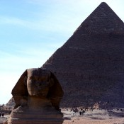Using people next to pyramids to create size contrast.