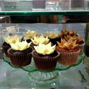Cupcakes at Fortnum and Mason in London. Photo by alphacityguides.