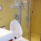 Bathroom at B Akasaka in Tokyo. Photo by alphacityguides.
