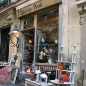 Store front at L'Objet qui Parle in Paris. Photo by alphacityguides.