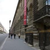 Front of Les Arts Décoratif in Paris. Photo by alphacityguides.