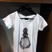 Tee at Kulte in Paris. Photo by alphacityguides.